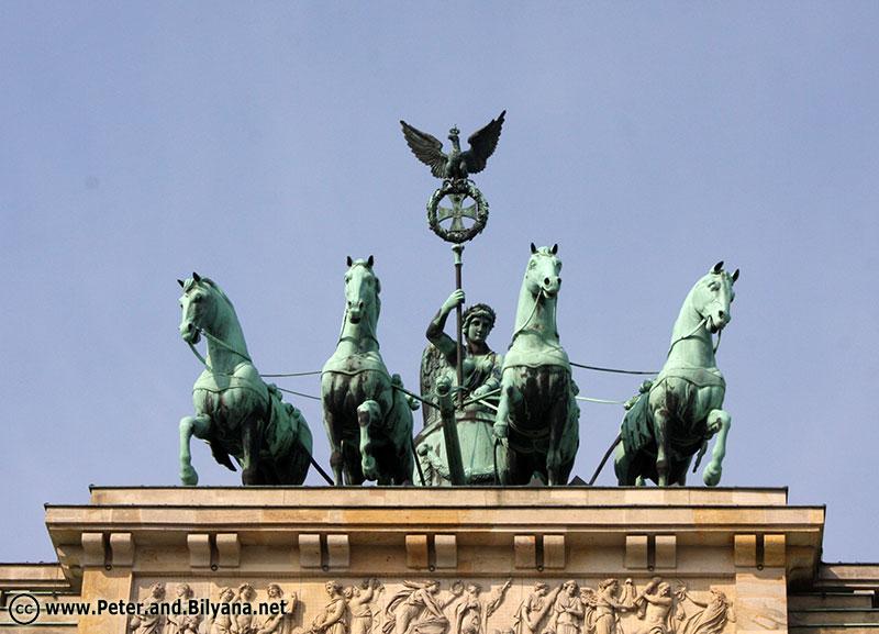 brandenburg-gate3