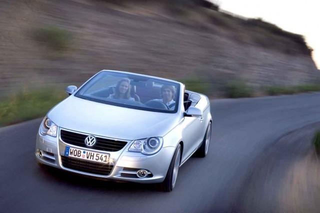 Volkswagen_Eos_001