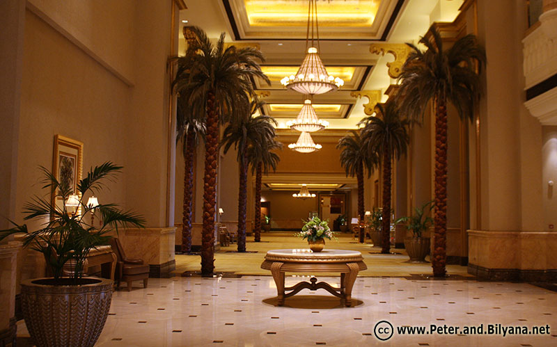 emirates-palace-another-corridor