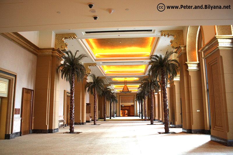 emirates-palace-corridor