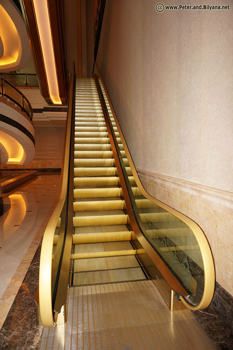 emirates-palace-escalator