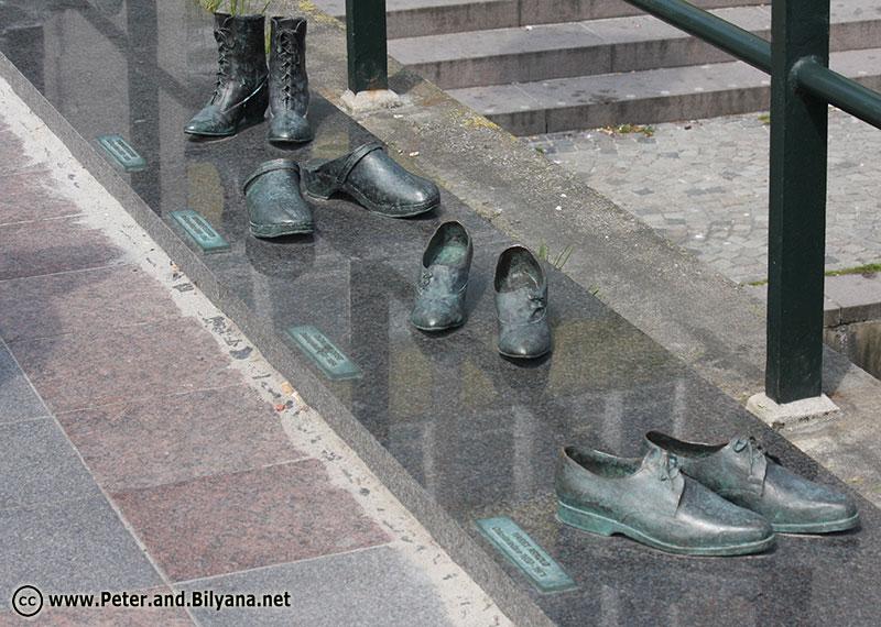 obuvki-monument
