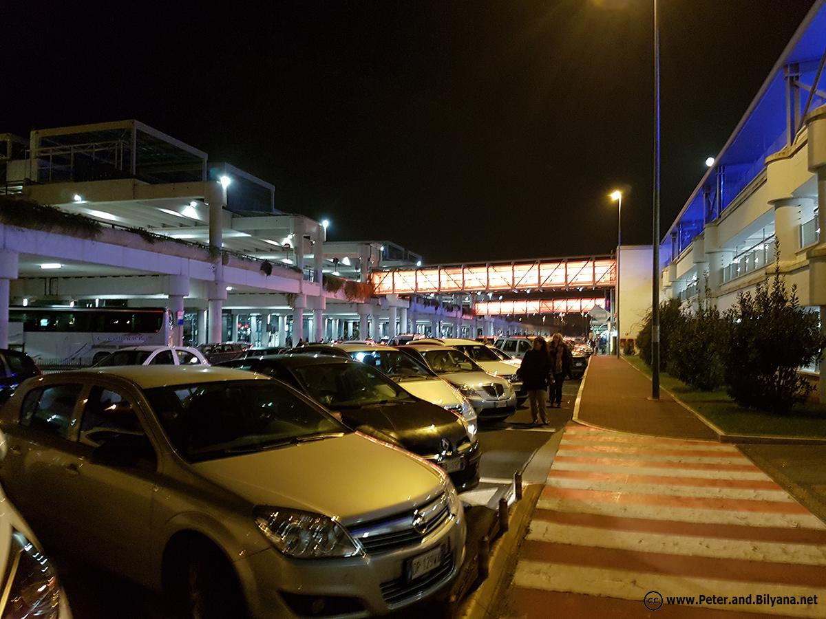 bari-airport2
