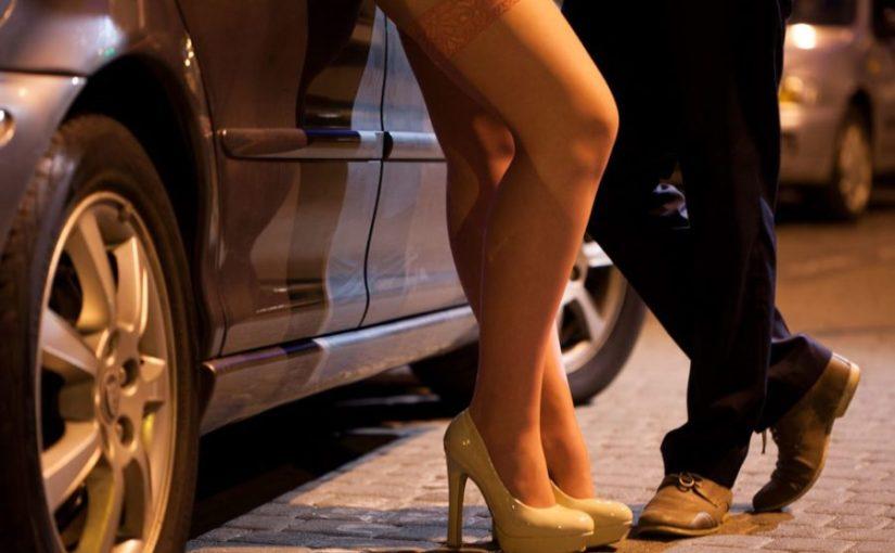10 прилики между IT консултанта и проститутката